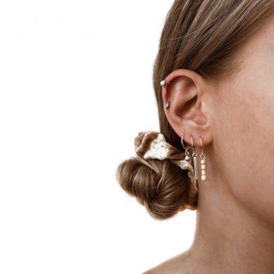 Earring creamy bead silver - Jewels by Moon